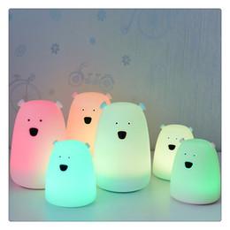 Oso LED Luz de noche Colorida Lámpara de guardería de silicona para niños Niños Bebés Dormitorio Sala de estar al por mayor desde fabricantes