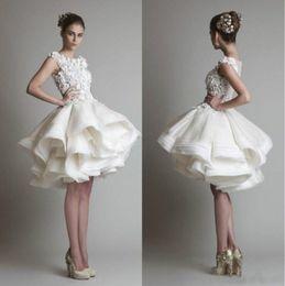 pequenos vestidos de noiva marfim Desconto 1950's Estilo Vestidos De Casamento Curto Bateau Lace Praia Tiers Ao Ar Livre Floral Primavera Na Altura Do Joelho Vestidos De Noiva Lace Vestido De Baile Vestido de novia
