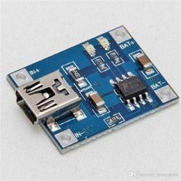 2019 placa del cargador del ion del litio Tablero de carga del Li-ion LED del módulo del cargador de la batería de litio de 5V 1A rebajas placa del cargador del ion del litio