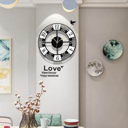 2019 disegni cerchio a parete 3D silenzioso rotonda Orologio Pratica parete di disegno moderno Wall Stickers metallo Pointer Soggiorno Circle orologi d'attaccatura di trasporto disegni cerchio a parete economici