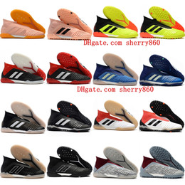 Barato futebol indoor sapatos on-line-2018 barato mens calçados de futebol de couro Predator Tango acelerador 18 IN TF botas de futebol de relva Chuteiras de futebol de salão chuteiras Pogba Preto.