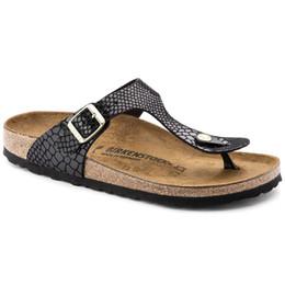 Argentina 2019 Europa y los Estados Unidos modelos de explosión nuevos zapatos de calidad zapatillas de hombre sandalias todo serpiente negro cheap new model slipper shoes Suministro