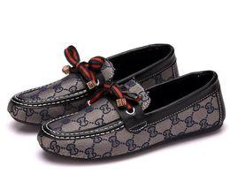 vestir grandes agujeros Rebajas NUEVOS hombres de los zapatos ocasionales del otoño del resorte del amortiguador de malla de calzado zapatos de la tendencia Entrenadores Deporte transpirable zapatillas de deporte de los hombres Decoración Zapatillas Hombre