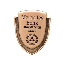Mercedes Classe E W212 W213 CLASSE C W204 W205 GLC CLA GLA AMG LOGO BADGE EMBLEMA AUTO PORTA PARAFANGO FENDER TRACK da