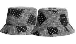 cappelli della benna di hip hop Sconti Secchio cappelli di alta qualità per le donne degli uomini hip hop Fisherman Cap campeggio di caccia Chapeau bob Cappellino esterna Estate Sun Beach Cappelli pesca