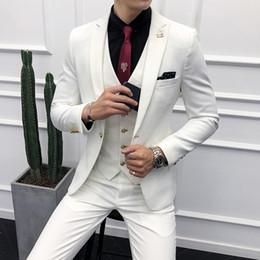 Koreanische männer winterweste online-3 stück Männer Anzug Korean Herbst Winter Slim Fit Kleid Weiß Anzüge Männer Kleidung 2019 Business Casual Party Smoking Jacke + Hose + Weste