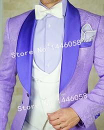 c1eb1c78c 2019 Últimos Diseños Light Purple Men Suit 3 piezas Set Novio vestido Best  Man Blazer Novio Tuxedo para hombre de la boda trajes de baile