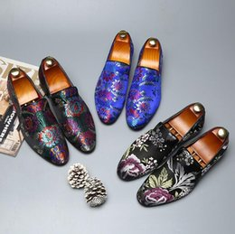 df024064036d6 Men Brand Designer Flat loafers Flowers Embroidery Breathable Shoes Slip-On  Male Homecoming Party Wedding Prom shoes Chinese style