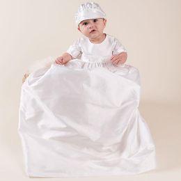 Longue robe de baptême pour bébé fille en Ligne-Nouveau-né Bébé 0-15 M Filles Robe Ensemble Solide Bouton Retour Robe De Baptême Long Style Enfants Designer Vêtements Bébé Tenues avec Chapeau Blanc