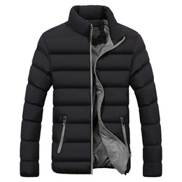 2020 Männer Jacken Mantel Parka Cotton Padded Frühjahr Winterjacke Mens warme Jacke Einfarbig Reißverschluss dicken Mantel Männer Daunenparka 1921