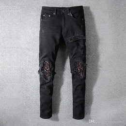 Pantalone jeans di disegno di stampa online-Jeans da uomo locomotiva buco nero da uomo nuovi estivi di Amiri Jeans stile elasticizzato con toppe stampate di alta qualità con design di personalità