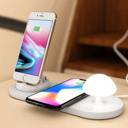supporto della lampada senza fili Sconti Fast Wireless Charger Desk Lamp 3 in 1 Fungo Night Phone Phone per iPhone / Micro / Type-C per iPhone ALTRE periferiche QI