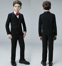 komplette hochzeit Rabatt 2019 Hohe Qualität Cool One Button Schal Revers Kid Komplette Designer Hübscher Junge Hochzeitsanzug Jungen Kleidung Nach Maß