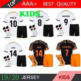 2019 kits criança 19 20 VALENCIA KIDS Futebol PAREJO 2019 crianças kit RODRIGO MENINO Football Shirt MINA Jersey GAYA GAMEIRO da camisa do futebol kits criança barato