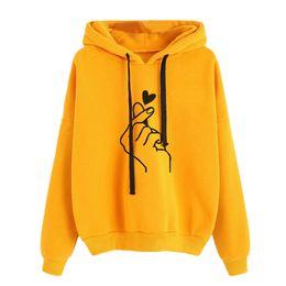 2019 senhoras menina hoodies Camisola das mulheres e Hoody Das Senhoras Oversize K Pop Amarelo Rosa Amor Coração Dedo Capuz Casuais Hoodies para Mulheres Meninas senhoras menina hoodies barato