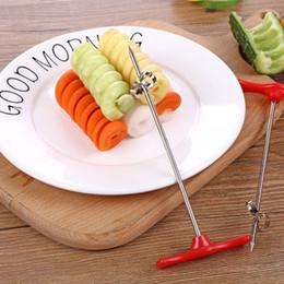 1 pc Manuel Spirale À Vis Trancheur En Plastique PP + Fil D'acier Rotation Pomme De Terre Carotte Concombre Légumes Spirale Couteau Outil de Sculpture ? partir de fabricateur