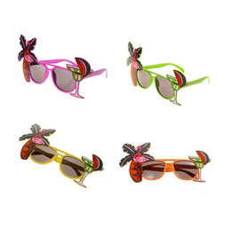occhiali da ananas Sconti Flamingo Party Glasses 4 Colori Summer Pineapple Hawaiian Beach Occhiali da sole Cosplay Night Stage Fancy Dress Up Eyewear OOA6931
