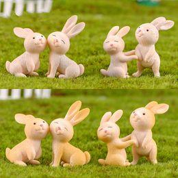 2019 miniature Miniature Coniglio Mini Cartoon Decorazione animale PVC Ornamenti artigianali Portachiavi Accessorio Micro-paesaggio Fata Garden Supply Materiale fai da te miniature economici