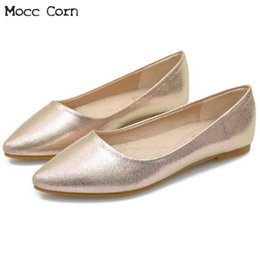 Casual Flat Shoes Women Ladies Fashion Flats Bling Pointed Toe Loafers Slip  On Zapatos Mujer Office Work Shoes Big Size 41 42 43 5fdba115e2ab