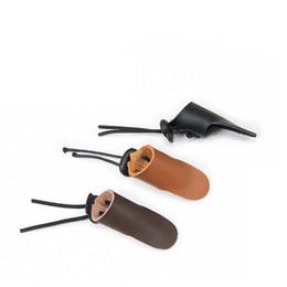 Equipo de tiro online-Engrosamiento de cuero de vaca Fingerstall Mongolia Estilo Equipo de tiro Pequeño y exquisito Reutilizable creativo Fold Anti Wear Nueva llegada 2 5ynI1