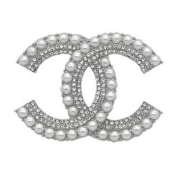 Diseños de broche online-Declaración de lujo exquisito diseño Doble Broche para las mujeres Marca Moda pernos de las broches accesorios de joyería de regalo con la caja