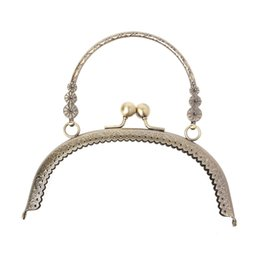 Цельные сумочки онлайн-2017 DIY Craft 16.5cm Metal Handbag Handle Frame Kiss Clasp Lock Handle Arch For DIY Purse Bag Fashion 2 Size New Fashion