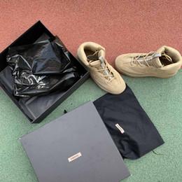 Sapatas de martin dos homens on-line-Designer de bota de deserto Kanye Martin botas de moda de luxo 2019 sapatos de marca temporada 6 estrelas homens sapatilhas Tênis para homens formadores ao ar livre