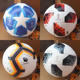 Novo 2018 2019 Liga dos Campeões da bola de futebol Azul PU de Alta  Qualidade De Pele Colar de bola De Futebol Sem Costura França Copa Do Mundo  jogo de Bola ... aaa37d1445af0
