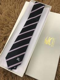 2019 gravata dos homens do desenhista Luxo Jacquard Tecido Gravata Para Homens Clássico Designer Gravatas Xadrez de qualidade superior Dos Homens Gravata Para o terno da forma do casamento carta laço com caixa e desconto gravata dos homens do desenhista