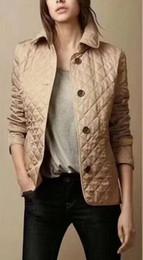 Дизайн колодки онлайн-Горячая Классика! женская мода англия короткий стиль тонкий хлопок мягкая куртка / высокое качество дизайн бренда женские куртки M-XXXL, бесплатная доставка