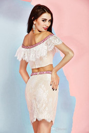 Elegante borda vestido on-line-2019 New Angela And Alison Cocktail Off-Shoulder Lace Edge Beaded Sexy Short Evening Party Dresses Elegant Two Pieces Dresses