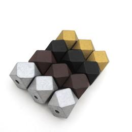 40 adet geometrik ahşap boncuk 20mm ALTıN GÜMÜŞ KAHVE SIYAH TAKı IÇIN TOPTAN tıknaz MIX 4 RENKLER EA477 nereden