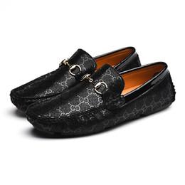 Passeio de flores on-line-2019 Genuína Sapatos De Couro Dos Homens Xadrez Mocassim Condução Casual Flor Zapatillas Hombre zapatos de hombre Mens Homem Calçado 7782