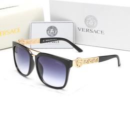 Occhiali da sole di alta qualità designer delle signore online-2019 Occhiali da sole famosi firmati di marca, occhiali da vista da guida sportiva per uomo, signore che vendono occhiali da vista di alta qualità 99521