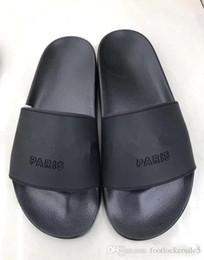 frauen weiße müßiggänger Rabatt Designer Luxus Damen Hausschuhe Mode Pink Schwarz Weiß Paris Sommer Slides Loafers Chanclas Hausschuhe für Strand Outdoor-Schuhe