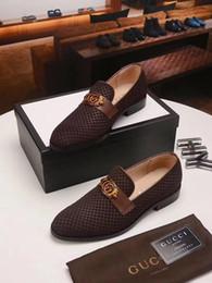 2019 meilleures chaussures européennes Meilleur 3 Couleur Designer Hommes Chaussures À Lacets Hommes Haut Haut Chaussures Chaussures Européennes Noir Personnalité De Luxe Bleu Homme Robe Chaussure Bureau Chaussures meilleures chaussures européennes pas cher