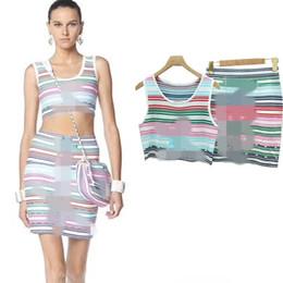 8348beff47 De alta calidad de 2019 mujeres del verano de sección delgada carta de  color de alta calidad traje de falda de dos piezas de media moda rebajas  falda de ...