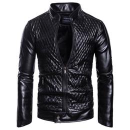 più il cappotto di plaid rosso di formato Sconti Giacche e cappotti da uomo in pelle nera e rossa primavera Plus Size 3XL Giacca da uomo in pelle stile europeo per motociclisti Streetwear A578