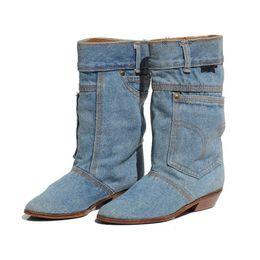 Mulheres botas jeans on-line-Moda de Inverno Novas Mulheres Botas de Salto Baixo Botas Casuais Senhoras Mid Calf Calças de Bezerro De Couro Dedo Apontado Cowboy Plus Size