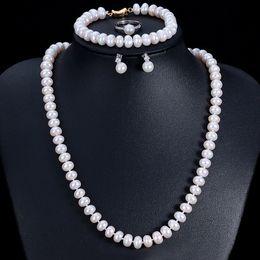 Insiemi reali di collane di perle online-Set di gioielli di perle d'acqua dolce naturali reali di buona qualità per le donne 4 pezzi Set di collana da sposa viola rosa bianco oro