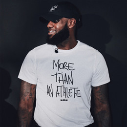 pantalones cortos de lebron Rebajas Camiseta de Lebron James Camiseta de Lebron James Más de un atleta Camiseta con estampado de letras James Camiseta de algodón del mismo estilo Y19060601
