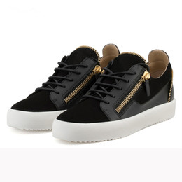 Застежка-молния онлайн-OKHOTCN Luxury Shoes Men Low-top Lace-Up Patch Suede Leather Sneakers Men Shoes Zippers Sneakers Flats Male Designers Mens