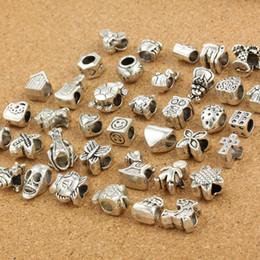 DM151 Mixed Fashion Metallic Perlen Große Löcher 40 Arten Überzug Legierung Großes Loch Perlen für DIY Armband Zubehör Großhandel Tibetischen Silber von Fabrikanten
