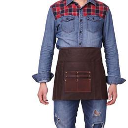 Cintura da lona avental on-line-Cera de óleo de Lona Cintura Avental com Bolso De Couro Genuíno Do Vintage À Prova D 'Água Da Cozinha Chef Meia Cintura Avental Barman