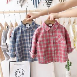 2019 mädchen sammelte taschenhemden Qualität Nagelneu Entwerfen INS Kinder Jungen Mädchen Shirts Vorderknöpfe Taschen Flanell Baumwolle Umlegekragen Kinder Kleidung Shirts günstig mädchen sammelte taschenhemden