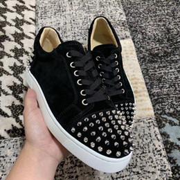 Moda Low Top Red inferior zapatillas de deporte para hombres de lujo de cuero de gamuza negra con púas para hombre zapatos de mujer diseñador causal zapatos al por mayor desde fabricantes