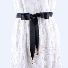 2019 le camice di vestito delle signore nere moda lunga cintura in tessuto nero per le donne abiti da donna solido sciarpa di seta camicia a nastro nodo vita corda femminile le camice di vestito delle signore nere economici