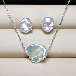 natürliche perlenschmucksachen Rabatt Natürliche Barock Perle Ohrringe Halskette Set Silber Perle Ohrringe für Frauen Barock Perle Ohrringe Exquisite Schmuck Hochzeit Handgemachtes Geschenk