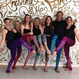 yoga pantaloni striscia Sconti Pantaloni di yoga Pantaloni da palestra Stampa 3D Stile EurAmerico Elastico Stripe Colore misto Pantaloni da yoga da bambino genitore Size zhujingyi