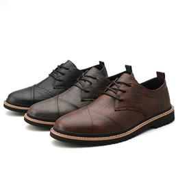 Zapatos varón ocasional de los zapatos de vestir de los hombres de Oxford seguridad en el trabajo brillante de encaje hasta zapatos de diseño para el